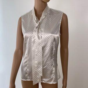 Tahari women blouse size s , sleeveless, buttons